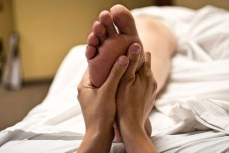 Massage from pain with leg cramps